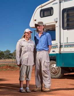 Madelan et trevor - Tour de l'Australie depuis 18 mois - Stuart Highway